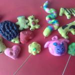 Przepisy na domowe masy plastyczne do zabawy