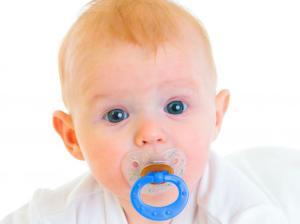 3452988-dziecko-smoczek-niemowle-643-482