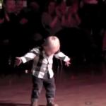 Na naukę nigdy nie jest…za wcześnie: dwulatek tańczy