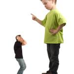 10 prostych dróg, jak zepsuć dzieciństwo