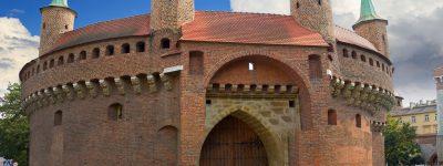 Jakie miejsca w Krakowie warto odwiedzić z uczniami?
