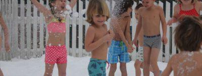 Śnieżne kąpiele, czyli sposób na zabawę i hartowanie w Norwegii