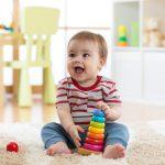 Skokowy rozwój niemowląt – poznaj z czym są związane kolejne ich cykle