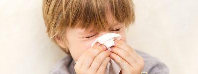 Jak rozrzedzić gęsty katar u dziecka?
