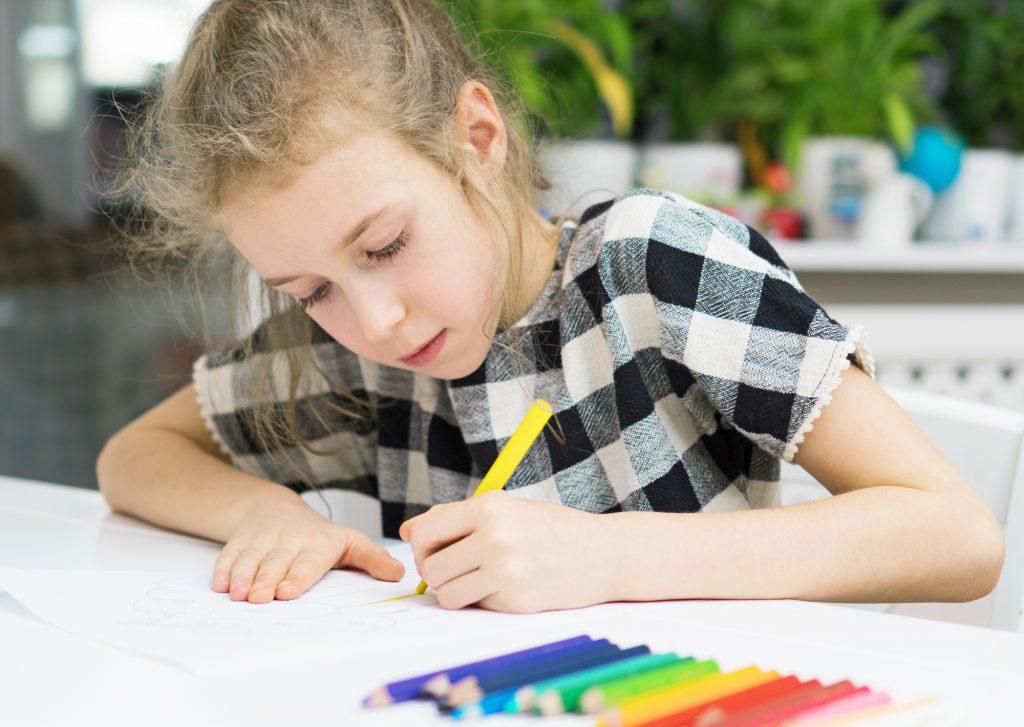 leworęczne dziecko w szkole