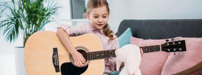 Nauka gry na instrumencie – dlaczego warto?
