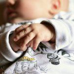 Jak przygotować się do kąpieli noworodka? Praktyczne porady