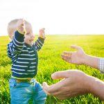 Kiedy dziecko zaczyna chodzić? O pięknej przygodzie…