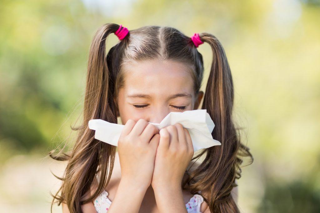 jak chronić dzieci przed alergiami