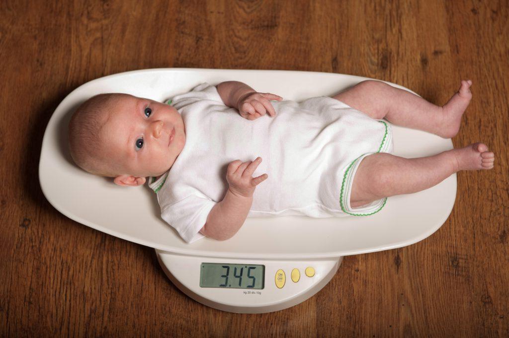 fizjologiczny spadek masy ciała noworodka