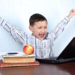 """Na koniec roku lepsze oceny? Dzięki """"pomocy"""" rodziców"""