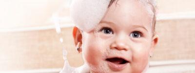 Kąpiel noworodka – jak często myć malucha?