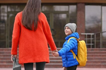Zdalne nauczanie dla wszystkich. Rodzice radzą sobie tak…i tak też