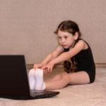 Wychowanie fizyczne przez internet. Szkoła absurdów?