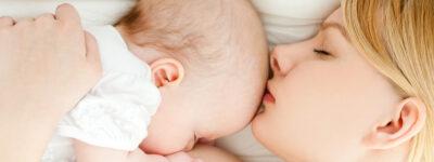 Co zrobić, gdy dziecko zasypia w trakcie karmienia piersią?