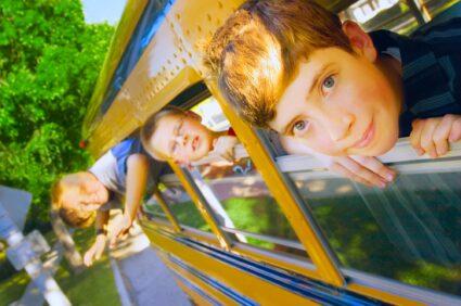 Dlaczego w jednych szkołach można organizować wycieczki a w innych nie?